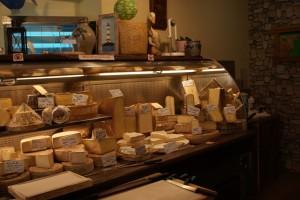 Käsetheke in Frankreich